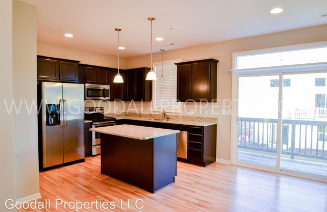 165 80th St #108 - 165 80th Street, West Des Moines, IA 50266