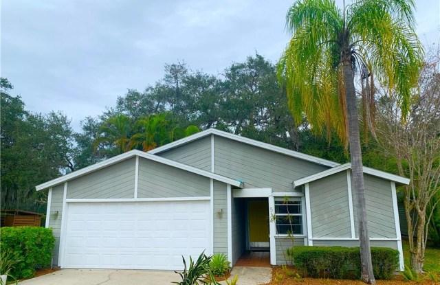 516 BEARDED OAKS CIRCLE - 516 Bearded Oaks Circle, Sarasota, FL 34232