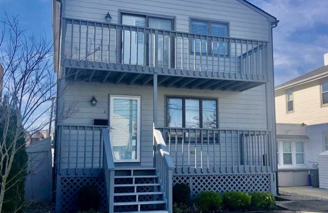2 N Frontenac Ave - 2 North Frontenac Avenue, Margate City, NJ 08402