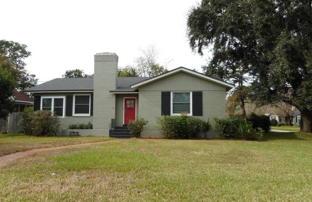 """1104 S SHORES RD - 1104 South Shores Road, Jacksonville, FL 32207"""
