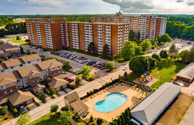 Pine Ridge Apartments - 2252 Par Lane, Willoughby Hills, OH 44094