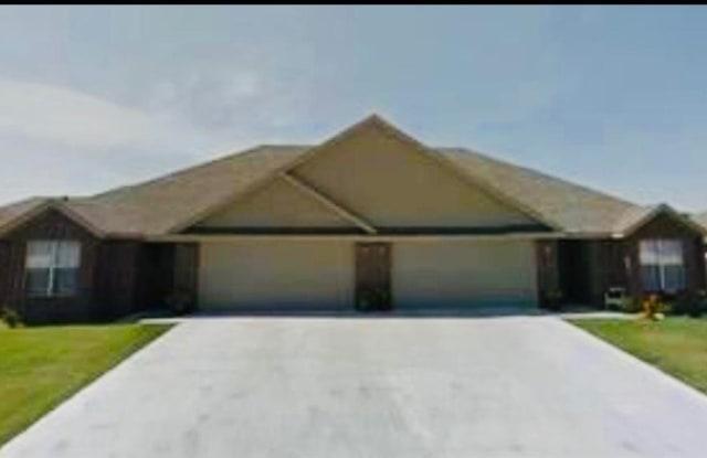 1102 Quartz  RD - 1102 Southwest Quartz Road, Bentonville, AR 72712