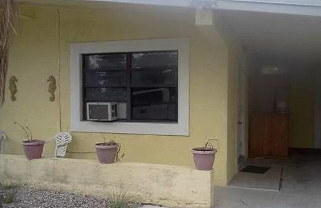 992 Old Boynton Rd - 992 Old Boynton Road, Boynton Beach, FL 33426