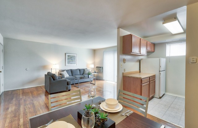 Park Plaza East & West - 4016 Fords Ln, Baltimore, MD 21215