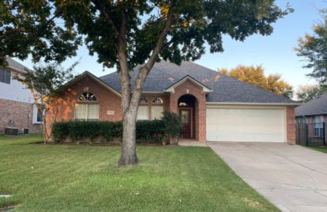 1702 Clover Hill Rd - 1702 Clover Hill Road, Mansfield, TX 76063