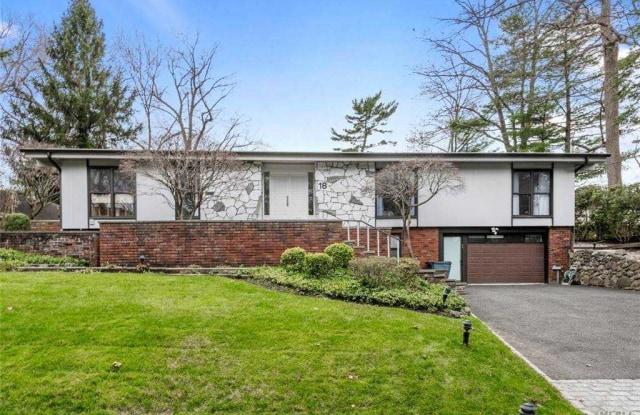 18 School House Lane - 18 School House Ln, Lake Success, NY 11020