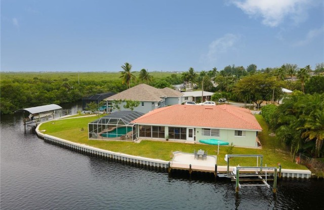 12088 Boat Shell DR - 12088 Boat Shell Drive, Matlacha Isles-Matlacha Shores, FL 33991