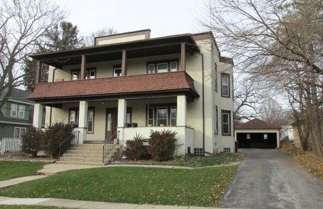 219 Grove Street - 219 Grove Street, Woodstock, IL 60098