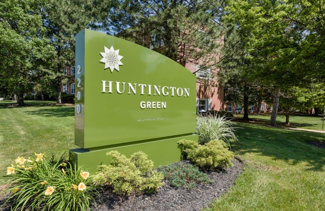 Huntington Green - 2200 Milton Rd, University Heights, OH 44118