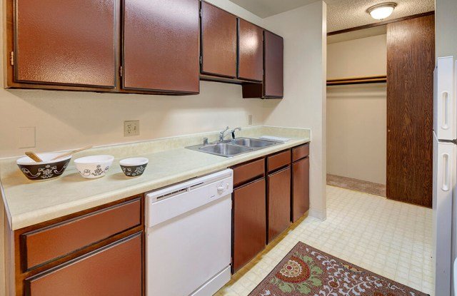 Taiga Twins Apartments - 423 W 22nd Ave, Anchorage, AK 99503