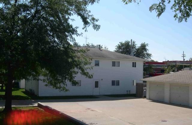 Ashton Place - 702 Chestnut Drive, Gretna, NE 68028
