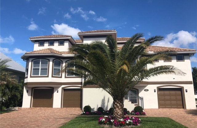 225 Egret AVE - 225 Egret Avenue, Collier County, FL 34108