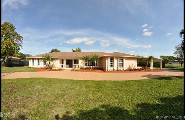11905 SW 49th St - 11905 Southwest 49th Street, Kendale Lakes, FL 33175