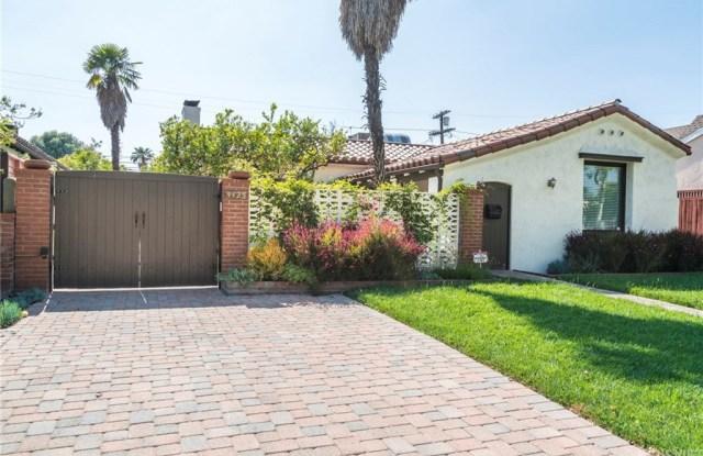4425 Mariota Avenue - 4425 Mariota Avenue, Los Angeles, CA 91602