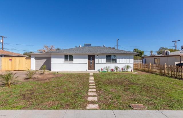 6404 W CLARENDON Avenue - 6404 West Clarendon Avenue, Phoenix, AZ 85033