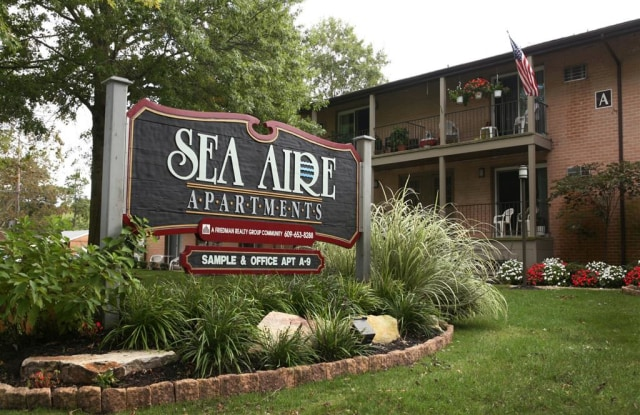 Sea Aire - 40 Chapman Boulevard, Somers Point, NJ 08244