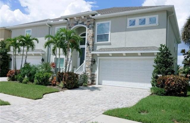 327 MANATEE LANE - 327 Manatee Lane, Tarpon Springs, FL 34689