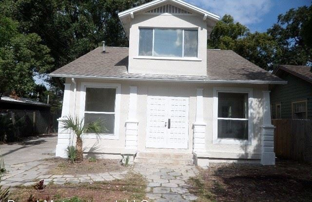 975 13th Ave S - 975 13th Avenue South, St. Petersburg, FL 33705