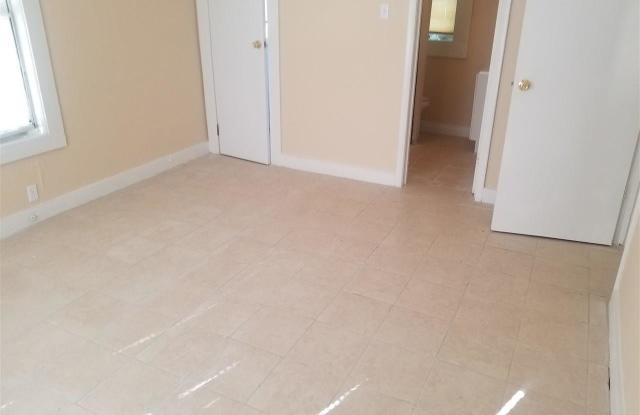 1511 N DAVIS HWY - 1511 North Davis Street, Pensacola, FL 32503