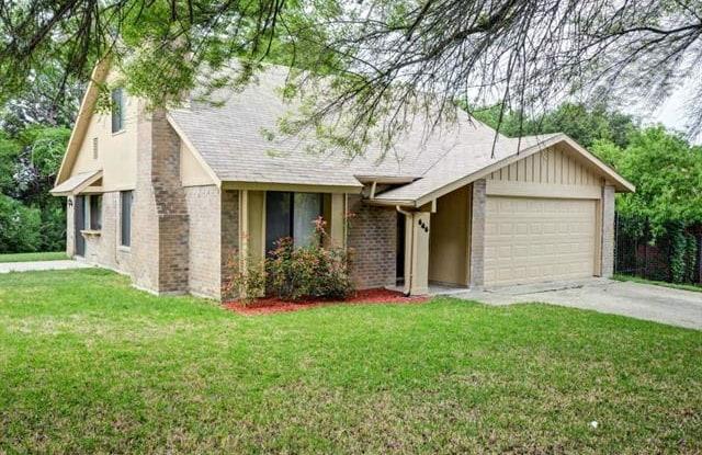 646 Meadowglen Drive - 646 Meadowglen Drive, Duncanville, TX 75137