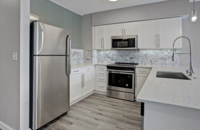 700 Broadway Apartments - 700 Broadway E, Seattle, WA 98102