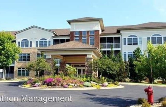 Chateau Ridge Condominiums - 500 Greenhaven Dr, Burnsville, MN 55306