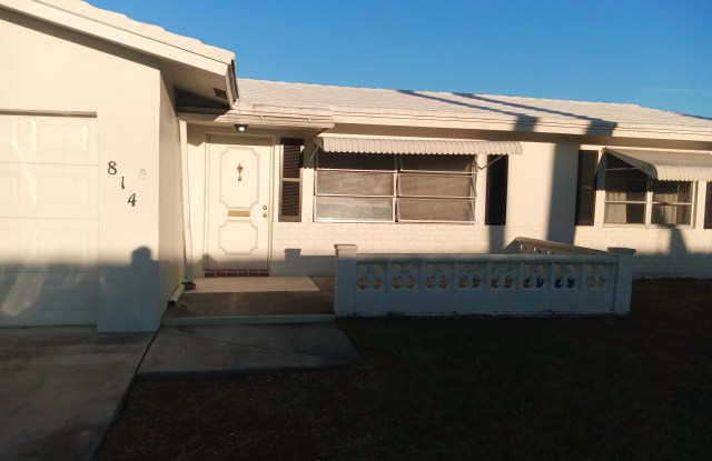 814 SW 18th Court - 814 Southwest 18th Court, Boynton Beach, FL 33426