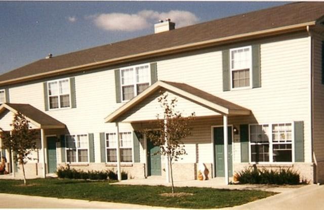 1027 Maple Hill Road - 1027 Maple Hill Road, Bloomington, IL 61705