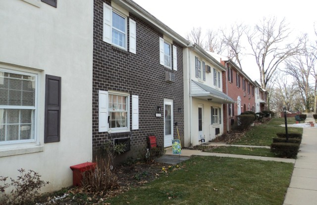 1082 WAYNE AVENUE - 1082 Wayne Ave, South Coatesville, PA 19320