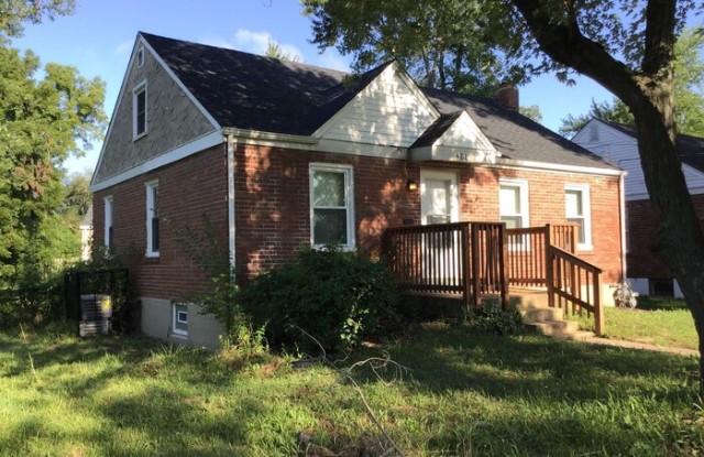 """""""411 North Dade Avenue - 411 North Dade Avenue, Ferguson, MO 63135"""""""