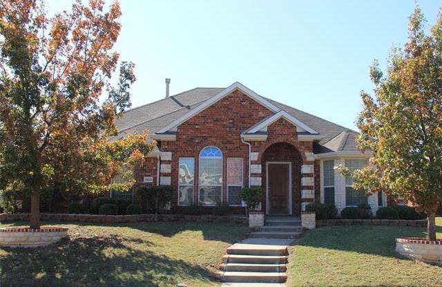 7813 Glenview Way - 7813 Glenview Way, Rowlett, TX 75089