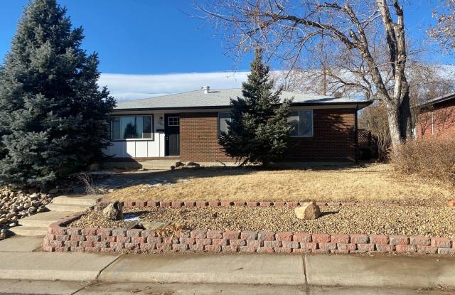 8341 Nueva Vista Dr - 8341 Nueva Vista Drive, Welby, CO 80229