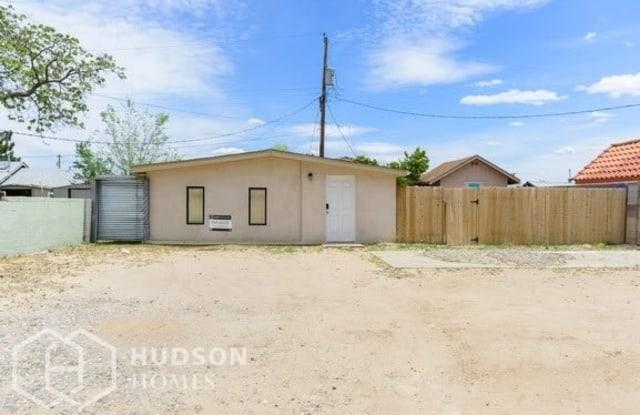 462 61st Street Northwest - 462 61st Street Northwest, Albuquerque, NM 87105