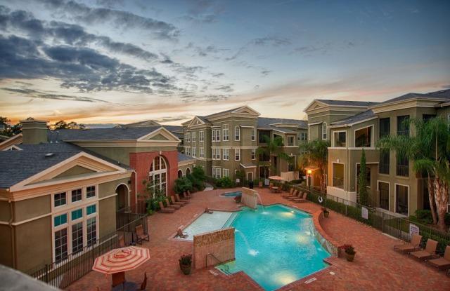 Kings Cove Apartments - 4920 Magnolia Cove Dr, Houston, TX 77345