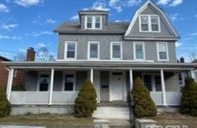 17 3rd Avenue - 17 3rd Avenue, Port Washington, NY 11050