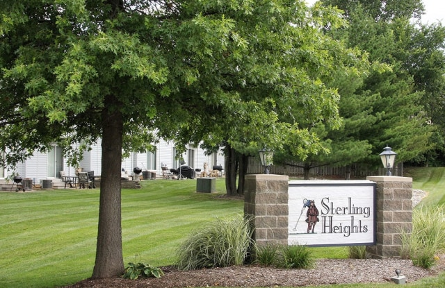 Sterling Heights Apartments and Townhomes - 1400 Britain Way, St. Charles, MO 63304