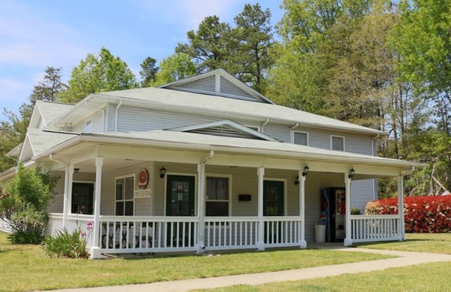 West Village - 115 Holiday Park Rd, Hillsborough, NC 27278