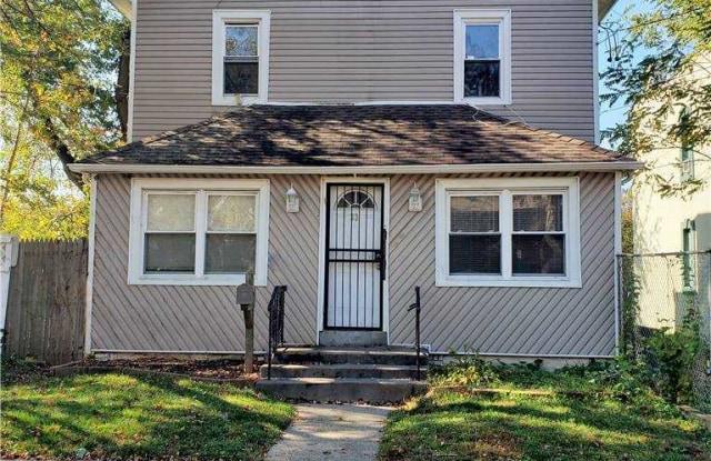 33 Linden Place - 33 Linden Place, Hempstead, NY 11550