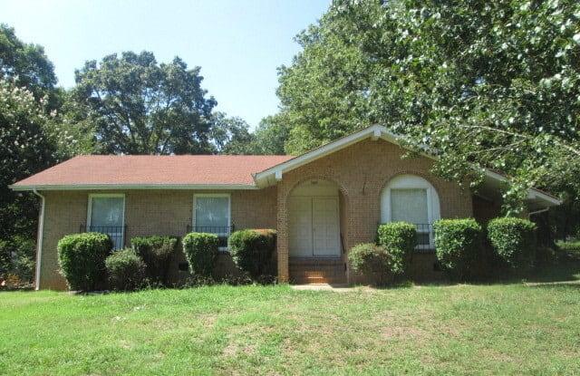 5701 Hollirose Drive - 5701 Hollirose Drive, Charlotte, NC 28227