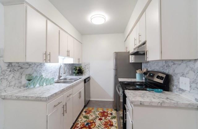 Ivanhoe Apartments - Ann Arbor, MI apartments for rent