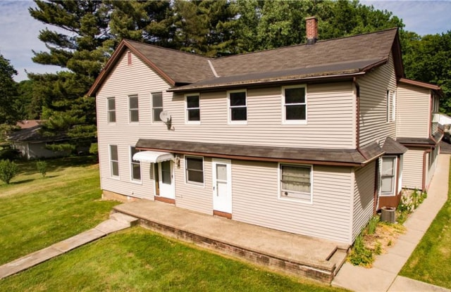 6743 Hathaway Rd - 6743 Hathaway Road, Valley View, OH 44125