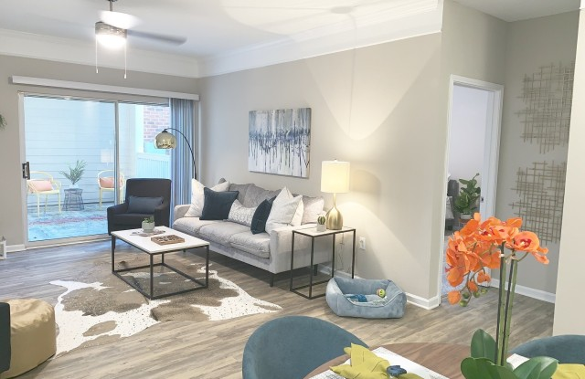 Hudson at Montford - 1420 Estates Avenue, Charlotte, NC 28209