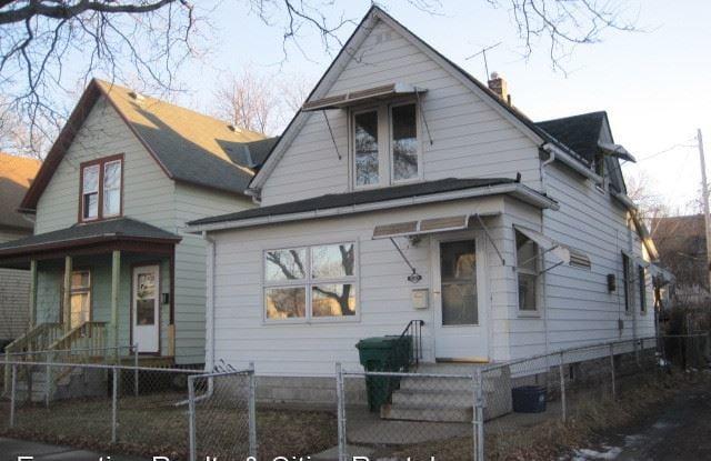 830 Carroll Ave - 830 West Carroll Avenue, St. Paul, MN 55104