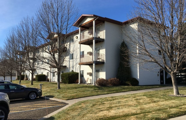 Turnpike Apartments - 2140 Xavier St, Bismarck, ND 58501