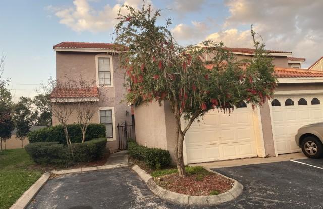977 Casa Del Sol Circle - 977 Casa Del Sol Circle, Altamonte Springs, FL 32714