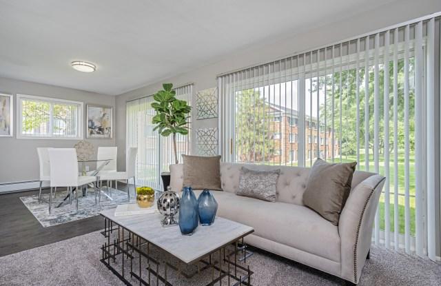 Independence Green Apartments - 24360 Independence Ct, Farmington, MI 48335