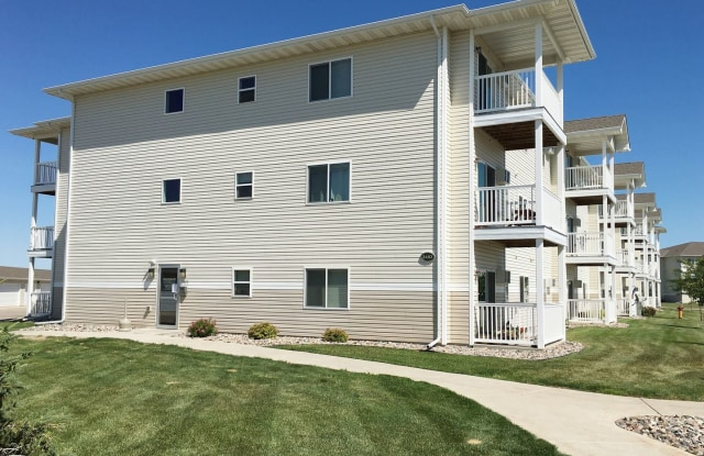 Southwood Apartments - 3403 11th Street Southeast, Minot, ND 58701