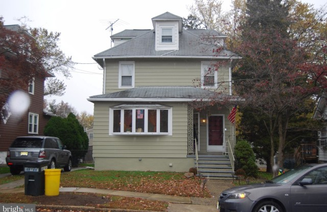 413 MAPLE AVENUE - 413 Maple Avenue, Audubon, NJ 08106
