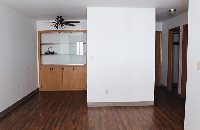 Villa Murray - 2604 North Murray Avenue, Milwaukee, WI 53211