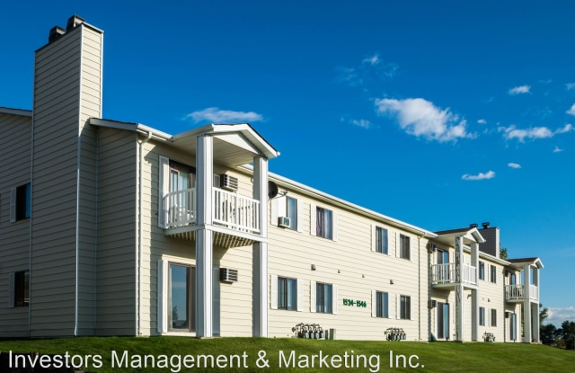Glacial Manor - 1524 12th Street Northwest, Minot, ND 58703